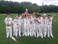 Kestrels and Eagles win Year 4 & 6 inter-house cricket tournaments